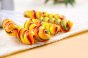 Rainbow Leisure Time Hard Lollipop Candy pictures & photos