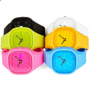 Yxl-104 Promotional Fashion Wrist Watch Women Silicone Candy Color Ladies Jelly Watch Gift Sport Men′s Watch Clock pictures & photos