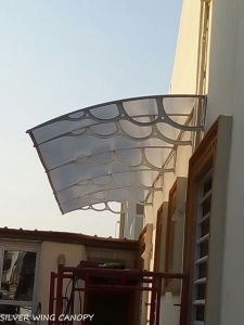 Large Polycarbonate Outdoor Sun Canopy for Door and Balcony (YY-H) pictures & photos