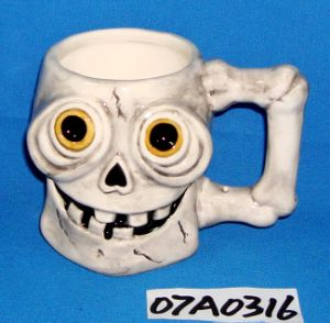 Ceramic Skull Coffee Mug for Halloween Decoration pictures & photos