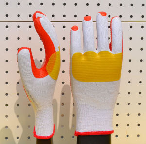 Cheap Wear-Resisting and Impact Resistant Latex Gloves pictures & photos