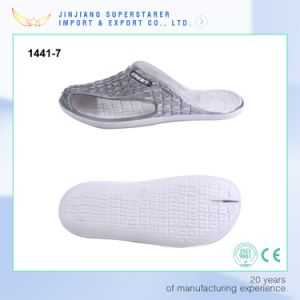 Light EVA Men Slipper with Crocodile Skin Upper Support Custom Slippers pictures & photos