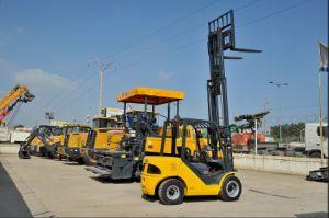 2.5t Diesel Forklift with Japanese Isuzu Engine and Triplex 7.0m Mast pictures & photos