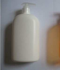 500ml Flat Pearl Color Conditioner Bottle with Pump pictures & photos