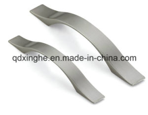 Custom Casting Door Handle with Precision Casting Stainless pictures & photos