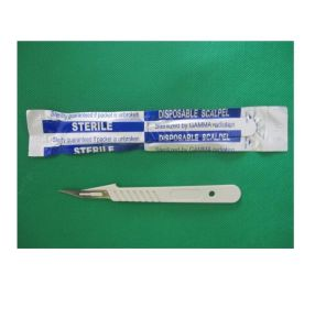 10#-25# Disposable Stainless Steel Surgical Blade with Handle pictures & photos