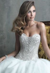 Stunning Beaded Bodice Princess Wedding Dress (Dream-100030) pictures & photos