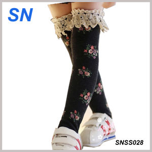 2015 Winter Fashion Lace Boot Socks for Girls pictures & photos