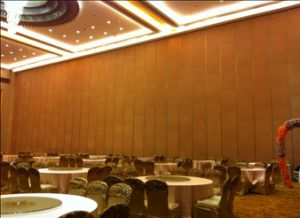 China Sliding Folding Acoustic Partition Used in Interior Decoration
