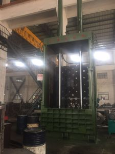 200ton Hydraulic Vertical Baler Machine pictures & photos