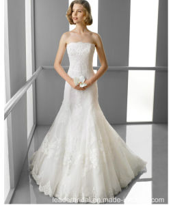 Strapless A-Line Bridal Gowns Lace Tulle Cathedral Train Wedding Dress 2018 Lb1824 pictures & photos