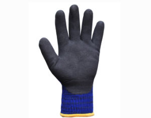 Winter Working Gloves with 3/4 Coated with Black Sandy Nitrile on Palm (N1612) pictures & photos