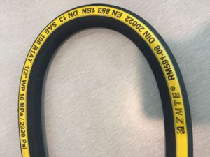 SAE100 R2 Wire Braid High Pressure Flexible Oil Hydraulic Rubber Hose pictures & photos
