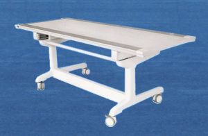 Movable Flat Bed for Hospital Use pictures & photos