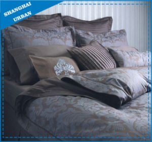 7 Piece Jacquard Feather Pattern Polyester Comforter Set pictures & photos