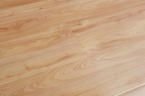 Supply China Flat Laminated Flooring with Crystal Surface-Ly806 pictures & photos