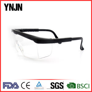Promotional Anti Dust Welding Adjustable Safety Goggles pictures & photos