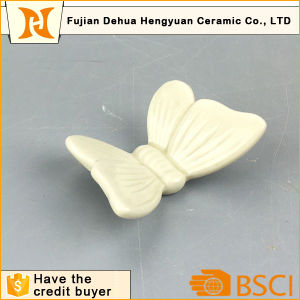 Ceramic Badge, Colorful Decorative Hand Painted Ceramic Butterflies pictures & photos
