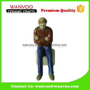 Hot Sale Embossed Handicrafts Stoneware OEM Ceramic Figurine pictures & photos