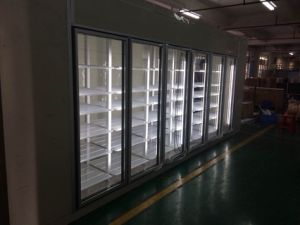 Commercial Walk in Glass Door Beverage Refrigerator pictures & photos