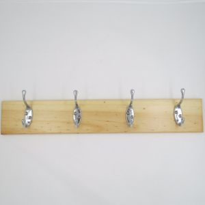 High-Grade Beautiful Clothes Hooks Wooden & Metal Row Hooks (ZH-7006) pictures & photos