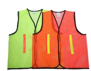 Safety Vest Made of Mesh Fabric with Polyester Tape pictures & photos