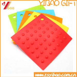 Eco-Friendly Portable Customized Round DOT Silicone Table Mat pictures & photos