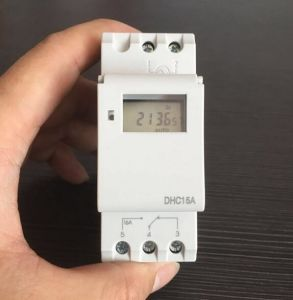 Digital LCD Programmable Timer Switch Thc15A for AC220V pictures & photos