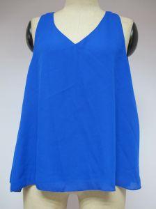 Blue Sleeveless V-Neckline Sexy Loose Fashion Blouse pictures & photos