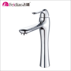 Beautiful Design Durable Brass Single Handle Kitchen Sink Mixer Faucet pictures & photos