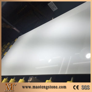 White Engineered Quartz Stone Slab for Tabletops, Countertops and Wall Cladding pictures & photos
