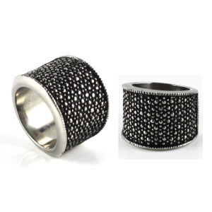 Retro Design Cross Pattern Black CZ Promise Rings pictures & photos