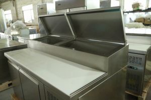 Commerical Pizza Prep Table Refrigerator with Ce pictures & photos