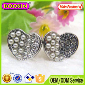 Hollow Heart Shaped Rhinestone Earring Designs #22255 pictures & photos