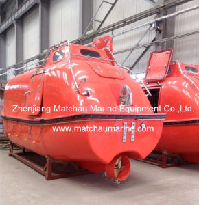 Garavity Luffing Arm Type Davit and Fully Enclosed Lifeboat pictures & photos