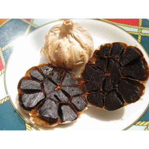 Whole Bulb Black Garlic with High Nutritional Value Whole Head pictures & photos