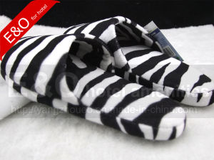 Soft Plush TPR Sole Indoor Room Slippers in Market pictures & photos