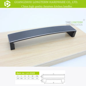Top Grade Aluminium Wooden Solid Cabinet Handle pictures & photos