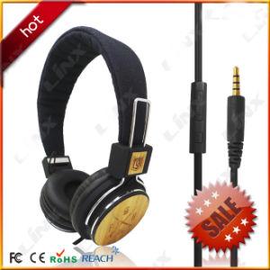 Premium Wooden Headphones with OEM Printed pictures & photos
