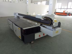 Large Format Organic Glass UV Flatbed Printer for Advertising Comany pictures & photos