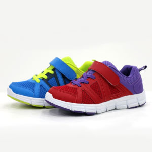 Factory Wholesale Famous Feet Sports Running Shoes Footwear Slippers pictures & photos