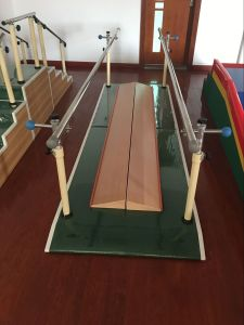 Walking Training Parallel Bars with Correcting Board pictures & photos