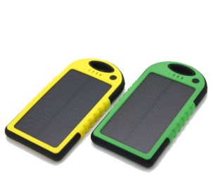 Good Performance Modern Design Solar Power Bank for Outdoor USD Charging Mobile pictures & photos