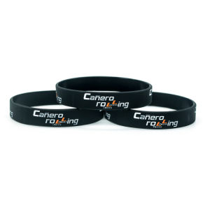 Customized Printed Climbing Buckle Silicone Wristband pictures & photos