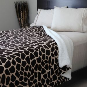 Animal Printed design Coral Fleece /Flannel Fleece with Sherpa Blanket pictures & photos