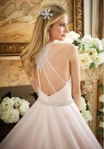Thin Beaded Straps Sweetheart Flounce Skirt Organza Button Wedding Dress Gown pictures & photos