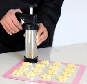 DIY Biscuit Decorating Syringe Kit Cookie Press Tulip Nozzles pictures & photos