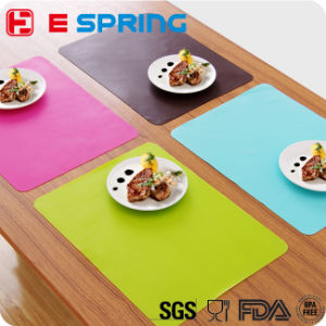OEM Printing Logo Colorful Small Size Children Dinner Silicone Table Mat pictures & photos