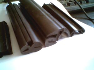 EPDM Rubber Seal Strips for Automobiles pictures & photos