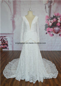 2016 New Fashion Wedding Gown Feathered Flower Layered OEM Service pictures & photos